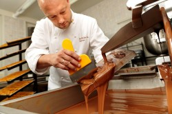 Фабричный шоколад