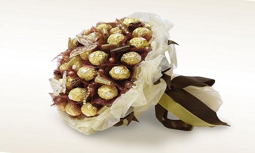 шоколадный букет из конфет