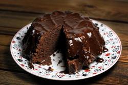 Шоколадный бисквитный кекс