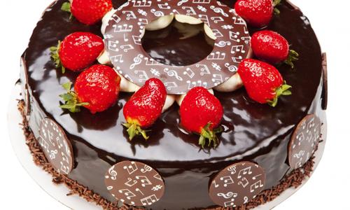Красивый шоколадный торт