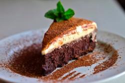 Трюфельный торт с белым шоколадом