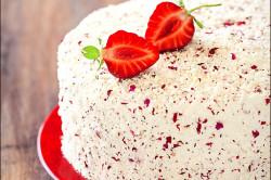 Украшение торта глазурью из белого шоколада