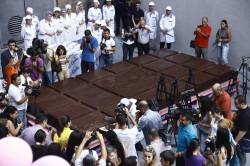 plitka 250x166 - Рекорд: самая большая шоколадка в мире