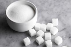sahar 250x166 - Белый шоколад: каковы его польза и вред?
