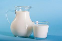Молоко для приготовления блинов