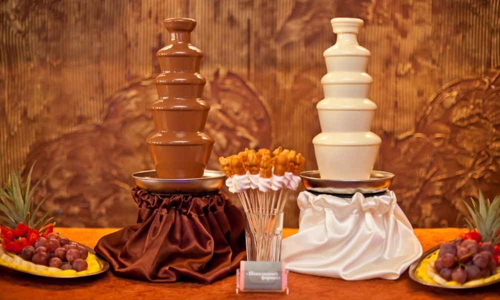 Шоколадные фонтаны на торжестве