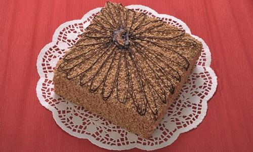 Как приготовить восхитительный медово шоколадный торт с орехами