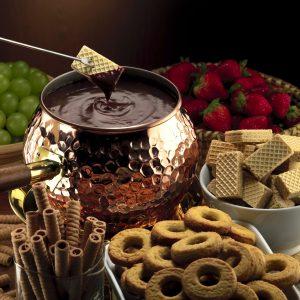 Что положить в шоколадное фондю