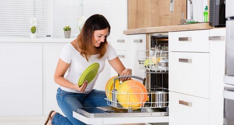 Мытье посудомоечной машины